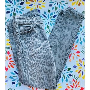 Current/Elliot Gray Leopard Skinny Ankle Jeans